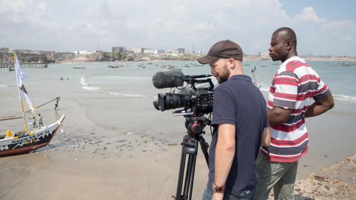 Videodreh in Ghana: Die DEG startet YouTube-Kanal.